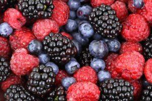 תותים וענבים